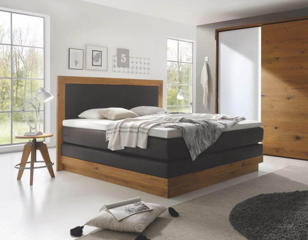 Boxspring Bett mit Holz